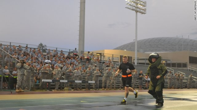 Soldier sets record for mile run, with a twist!