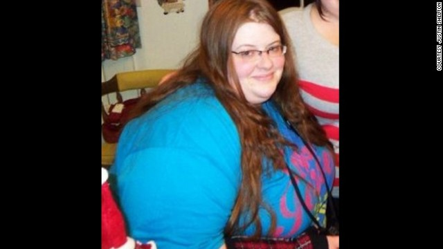"""The weight started piling on for Lauren in high school. """"I was an emotional eater and went to the comfort of food,"""" she says. At her heaviest, she weighed 341 pounds."""