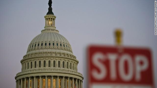800 mil trabajadores de EE.UU. en vacaciones obligadas y sin pago por cierre del gobierno