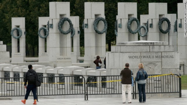 Fencing around the World War II Memorial prevents people from entering the relic on the National Mall in Washington on Oct 1.
