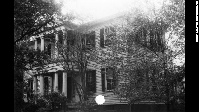 Mordecai House: Built 1826 in Raleigh, North Carolina. This Greek Revival neoclassical home is said to be visited by a piano-playing descendant of <a href='http://www.northcarolinaghosts.com/piedmont/mordecai.php' target='_blank'>Moses Mordecai</a>.