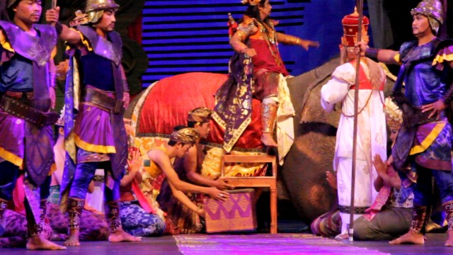 The show features a menagerie of animals, including ducks, cows, elephants and a jaguar.