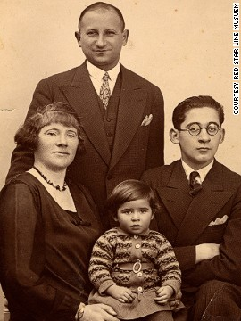 Today there are believed to be just five surviving Red Star Line passengers, including 85-year-old Sonia Pressman Fuentes, pictured here as a child with her mother Hinda, father Zysia, and brother Hermann.