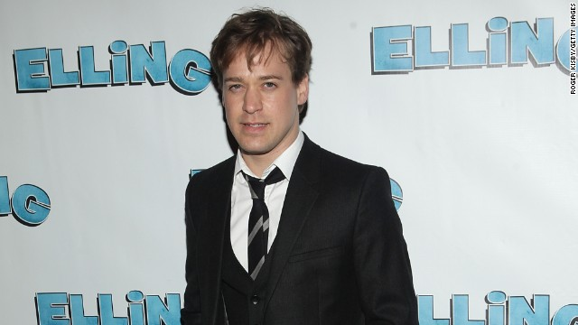 """<a href='http://ift.tt/1gRUohe' target='_blank'>According to People,</a> former """"Grey's Anatomy"""" star T.R. Knight married Patrick Leahy, his boyfriend of three years, in October 2013."""