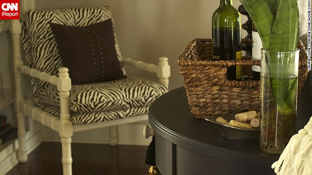<a href='http://ireport.cnn.com/docs/DOC-1041803'>Laurie Jones</a> brings texture to her living room through the use of <a href='lauriejoneshome.com' target='_blank'>animal prints in a neutral palate.</a>