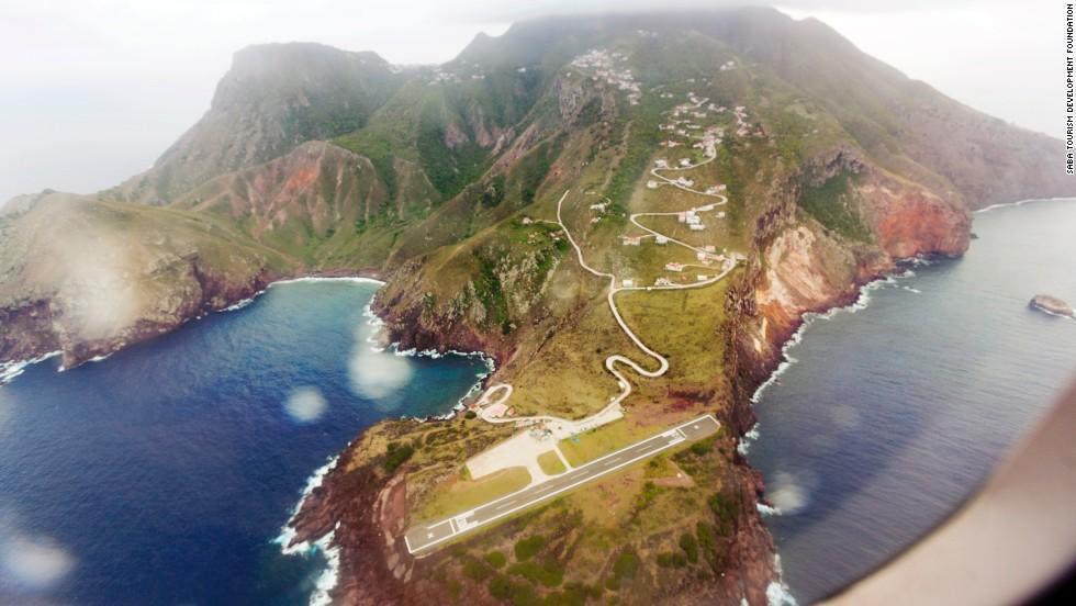 Aeropuerto Juancho E. Yrausquin, Saba