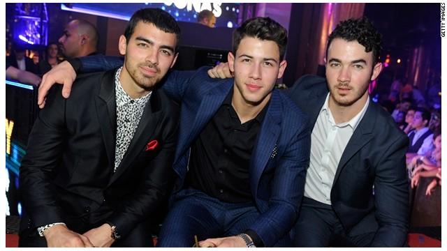 "Los Jonas Brothers cancelan gira por ""profundas divisiones"""