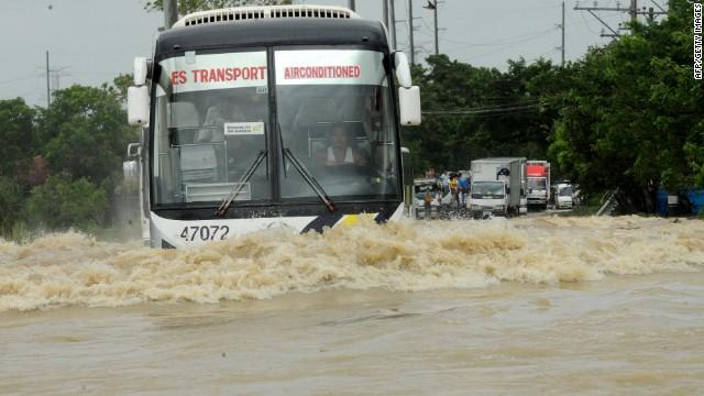El tifón Nari causa 13 muertos en Filipinas