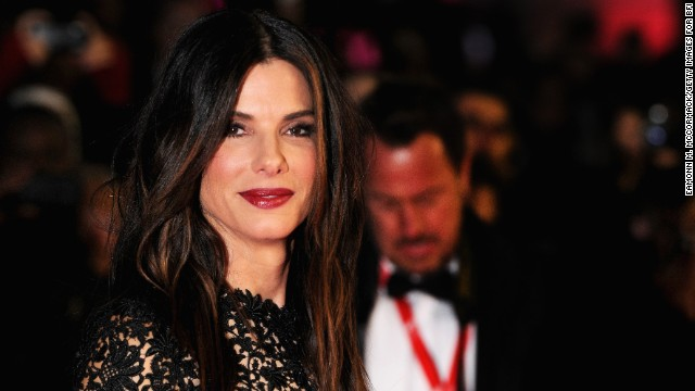 Sandra Bullock can still rap 'Rapper's Delight'