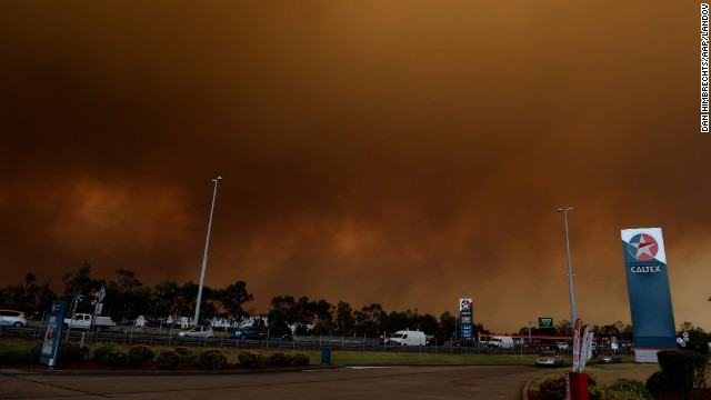 Thick smoke rises from a bush fire burning near Springwood on October 17.