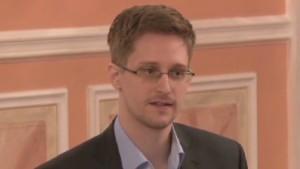 """Snowden: Las agencias de espionaje de EE.UU. y Gran Bretaña son las """"peores"""""""