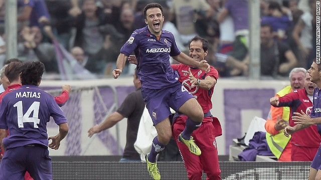 Giuseppe Rossi celebrates his stunning hat trick for Fiorentina
