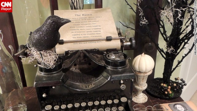 In this close-up, you can see a raven perched atop the typewriter, and a picture of Poe and his lost love. <a href='http://ireport.cnn.com/docs/DOC-1051000'>Hartzog's</a> blog, <a href='http://www.therefeatheredroost.com/' target='_blank'>The Refeathered Roost</a>, shows more.