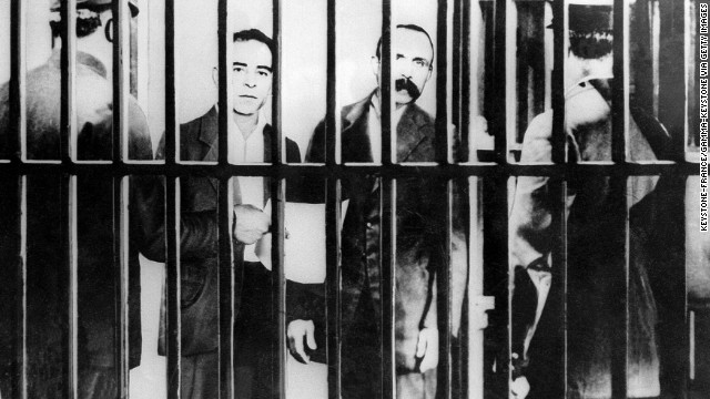 Italian anarchists Nicolas Sacco and Bartolomeo Vanzetti were executed in the United States in August 1927. They were convicted of killing a bank guard and clerk. The verdict was controversial, with many believing they were convicted because of their political beliefs.