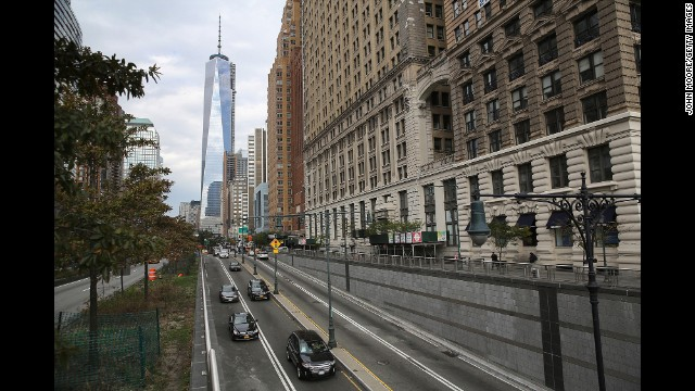 Traffic passes from Manhattan into the tunnel on October 22, 2013.