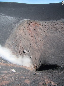 Although steam flows from vents and craters, the main visitor area doesn't have the unpleasant sulfur smell often associated with volcanoes.