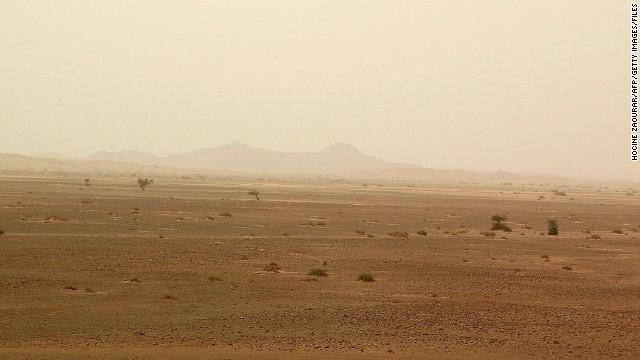 Hallan 87 inmigrantes muertos en el desierto del Sahara