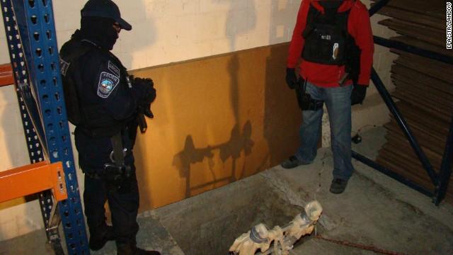 """Hallan un """"sofisticado"""" túnel para transportar drogas entre Tijuana y San Diego"""