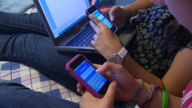 Facebook changes privacy settings for teens