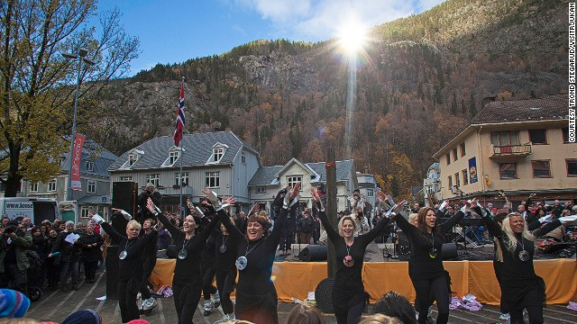 """It's magnificent now that it's in place,"" says Tracy Murphy, owner of town center business Café Nye Tider. ""The mirror reveals something that has never happened before -- sun in the middle of Rjukan."""