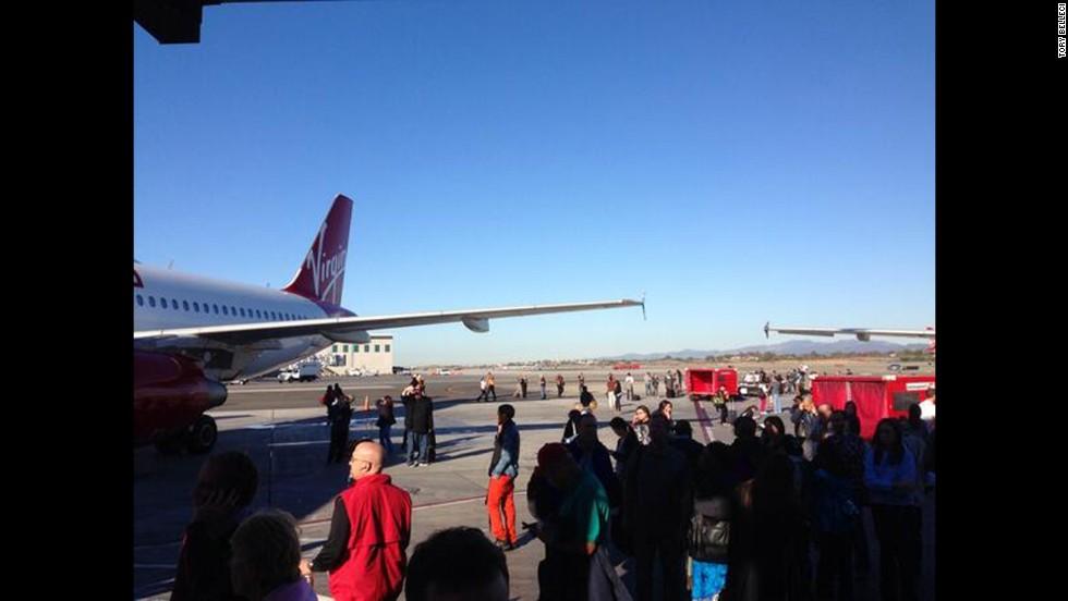Tiroteo en el aeropuerto de Los Ángeles