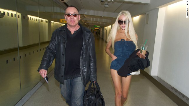 Doug Hutchison, Courtney Stodden separate