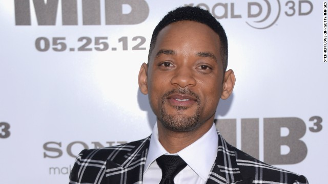 "<a href='http://www.youtube.com/watch?v=f3qO2HdBjA0' target='_blank'>Will Smith was none too pleased</a> in 2012 when a male reporter tried to kiss him during the Moscow premiere of ""Men in Black 3."""