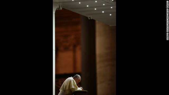 Pope Francis calls for a global day of fasting and prayer on September 7 for peace in Syria and against any armed intervention.