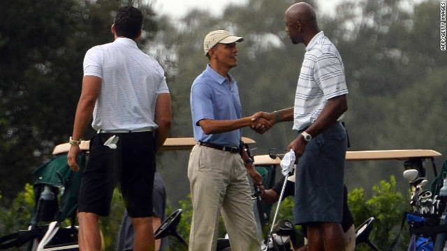 Obama golfs with former NBA star on 'Caddyshack' course