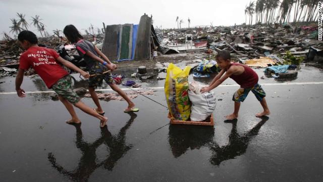 La cifra de muertos por el tifón Haiyan en Filipinas podría multiplicarse