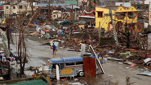 'Operation Damayan' takes shape in storm-ravaged Philippines