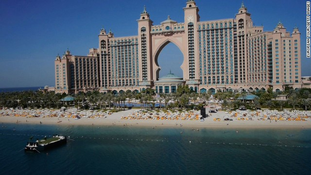 Prior to the tournament a clutch of the world's top players were offered the chance to play some crazy golf, competing to see who could land their ball closest to a floating target in the ocean off the 22nd floor of the Atlantis hotel.