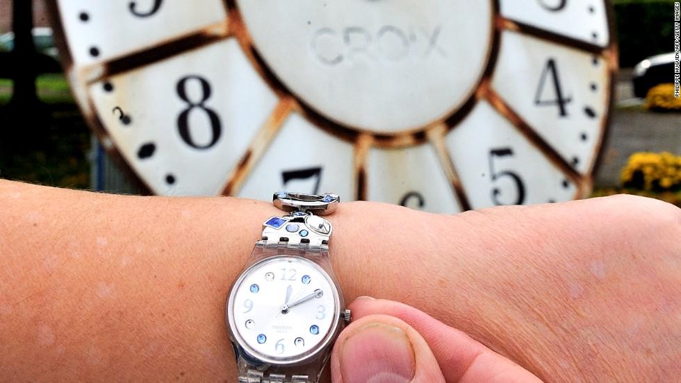 3.= Cambiar la hora en el reloj