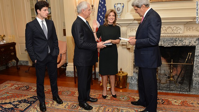 Caroline Kennedy sworn in as ambassador to Japan