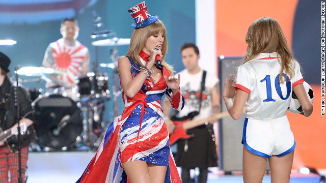 Taylor Swift fit right in at Victoria's Secret Fashion Show