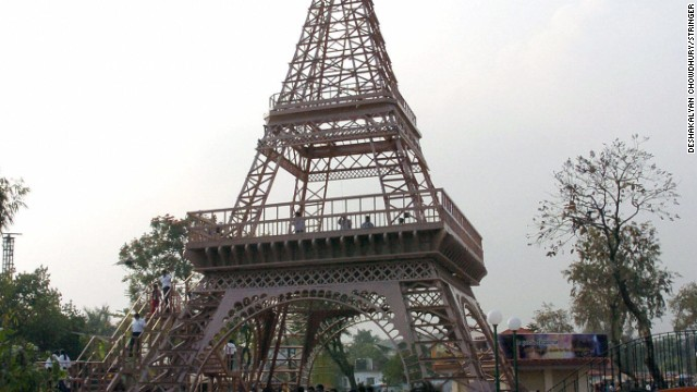 The 30-plus-meter structure is part of Nicco Park, in Calcutta.