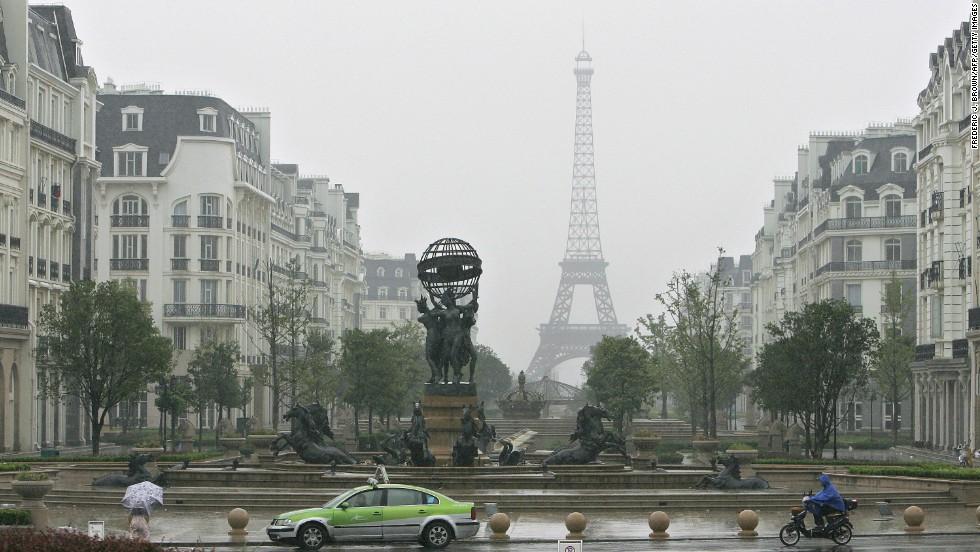 Otra Torre Eiffel en Hangzhou, China ...