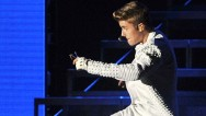 Justin Bieber settled a legal dispute with a former bodyguard who had accused the pop star of attacking him backstage at a concert.