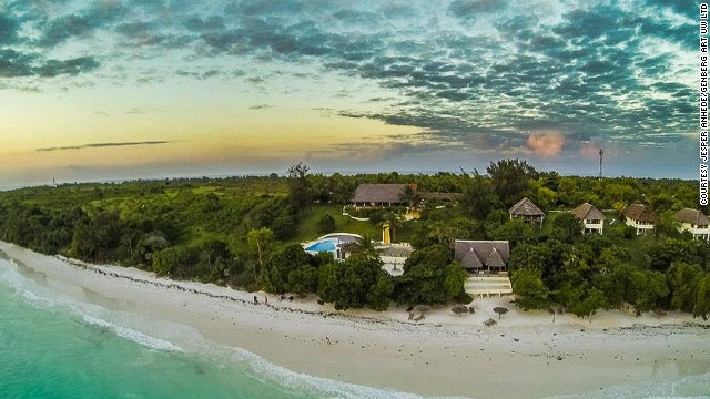 The rest of the resort is located on the coast of Pemba Island. The recipient of only a few dozen foreign visitors annually, the island has a population of 300,000 and is the world's largest producer of cloves. In addition to cloves, mangoes, coconuts and other fruit are grown on plantations on the island.