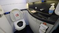 Los 20 hábitos más molestos en los aviones
