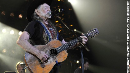 Willie Nelson cancels SeaWorld show