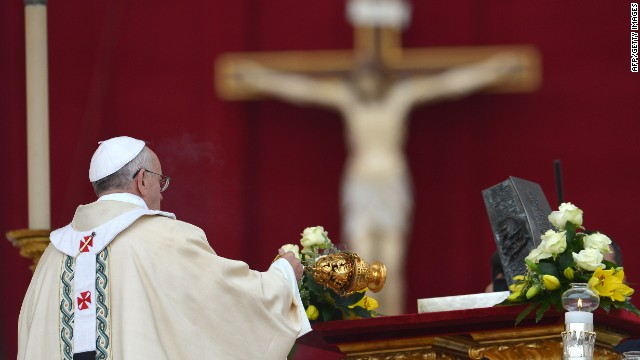 Pope Francis blesses the remains of St Peter during a ceremony of Solemnity of Our Lord Jesus Christ the King at St Peter's square on November 24, 2013 at the Vatican.