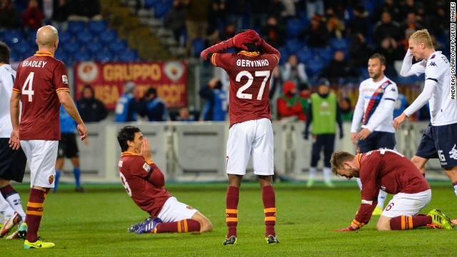 Roma players share the agony of a missed opportunity during the 0-0 draw against Cagliari at the Stadio Olimpico on Monday.