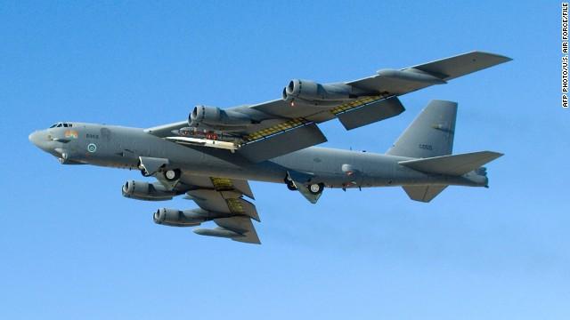 Dos bombarderos B-52 de EE.UU. sobrevuelan el espacio aéreo reclamado por China
