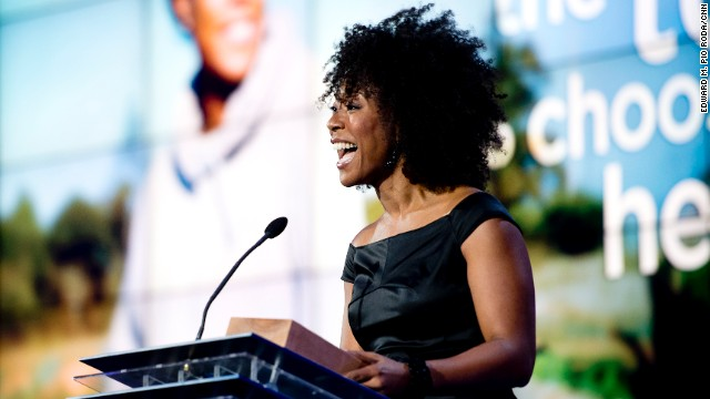 CNN Hero Robin Emmons has grown more than 26,000 pounds of fruits and vegetables for people who live in the Charlotte, North Carolina, area. Emmons started her nonprofit, Sow Much Good, after she learned that more than 72,000 people in Charlotte lack access to fresh produce.