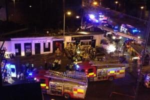 Un helicóptero se estrella en un pub de Glasgow