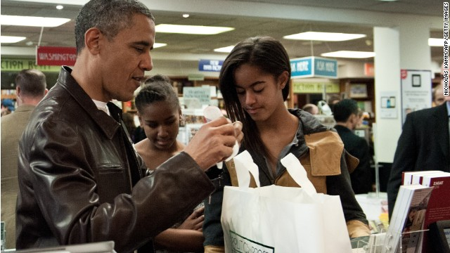 Obama does some 'Small Business Saturday' shopping