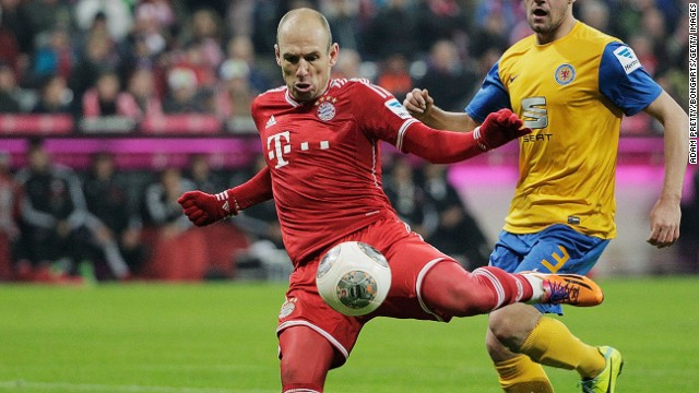 Arjen Robben was on target twice for German champions Bayern Munich against Braunschweig on Saturday.