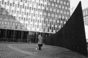Arco inclinado (1981), Richard Serra