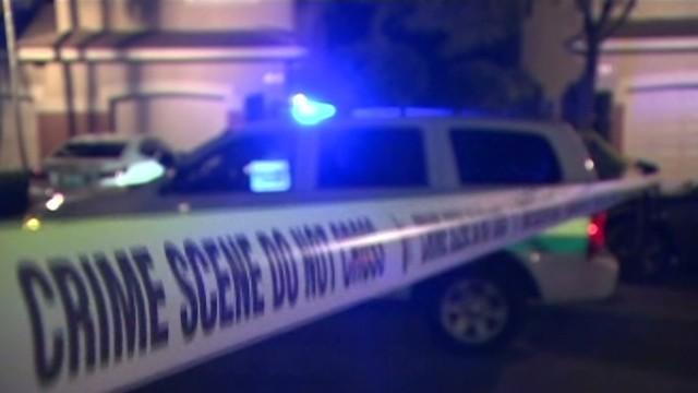 Un hombre mata a su esposa y a su hijo con una ballesta, después se corta la garganta